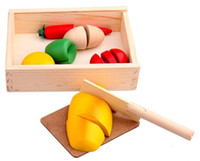 Wholesale Wooden Kitchen Food Fruit Vegetable Cutting Kid Pretend Play Educational Toy Box Sushi Bread Chili Potato Carrot Knife Cutting Board