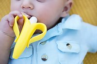 Wholesale Baby Teethers Baby Teething Rings Bite Baby Banana Soothers Training Teethers Silicone Banana Toothbrush
