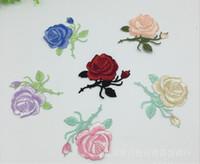 al por mayor subió parches de hierro-50pcs / lot de la flor de Rose del remiendo del bordado apliques de hierro en remiendo de tela para coser sacos Nociones de accesorios de prendas de vestir