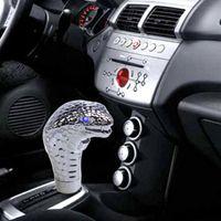 Wholesale New Universal Car Gear Knob Shifter Cobra Head Shift Knob Gear Shift Knob LED Eye Personalized pommeaux de levier de vitesse
