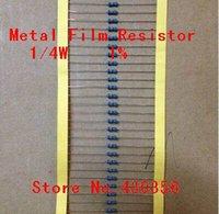 El envío al por mayor-100pcs / lot 0.25W Resistencia película metálica + -1% 82R