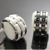 best gift for wedding couple - Hot Sale Fashion Jewelry Titanium Black White Ceramic Rings For Lovers Best Gifts Layers Wedding Ring Love Ring Never Fade for gift