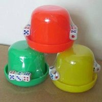 Wholesale Thick bottom sieve cup night bar combination dice dice cup color cup suit to send g boson particle