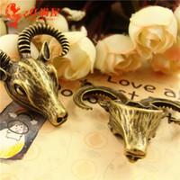 A3620 39 * 40MM Antique Bronze Retro sheepshead pendentif manuelles bijoux bricolage gros charmes tibétains en vrac, de chèvre charme de la tête, des charmes d'animaux