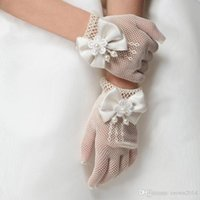 Wholesale Bridal Accessories White Princess Flower Girl Gloves Sheer Mittens Kids Pageant Gloves Girl White Gloves For Weddings New Arrival