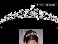 al por mayor tiaras para quinceañeras-2016 Cristal Cristal Tiara Bridal Hair Accesorios Para La Boda Tiaras De Quinceañera Y Desfile Rhinestone Faux Pearl Hairbands C1004
