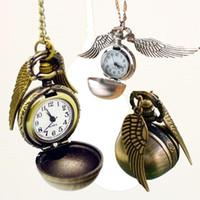 achat en gros de vif d'or montre de poche-Harry Potter Snitch or Pocket Watch Steampunk Quidditch Ailes Montre harry potter ailes collier hommes et femmes film charme star bijoux