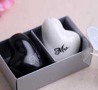 Wholesale Mr and Mrs Salt And Pepper Shakers heart shaped Ceramic Salt Pepper Shakers Wedding bridal shower Favors gifts set KKA242