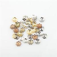 al por mayor flor de metal para la fabricación de joyas-6 mm / 7,5 mm encantos filigrana flor metálico hueco casquillos del grano 1000pcs Hallazgos para las pulseras fabricación de la joyería de bricolaje