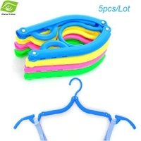 Wholesale 5pcs Creative Folding Clothing Hanger For Traveller Multi Color Folding Coat Hanger Easy To Carry