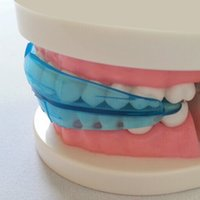 Wholesale Research of High tech Dental Blue Silicone Materials Dental Appliance Orthodontic Braces Teeth Orthodontic Retainer Tooth Care