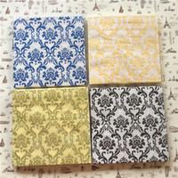 achat en gros de fleurs de papier de soie jaune-Vintage table Serviette papier tissu imprimé fleur bleu noir jaune or mouchoir découpage servilletas mariage anniversaire décor décoration