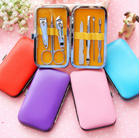 Wholesale 2016 Hot Selling DHL Portable Manicure Set Nail Care Clippers Scissors Travel Grooming Kits Case