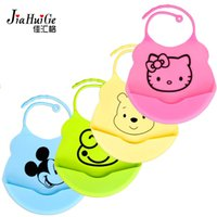 Wholesale New Waterproof Cartoon Silicone Waterproof Baby Bibs for Kids Burp Cloths Silica Gel Baby Waterproof Bibs Baby Bibs Accessories
