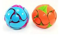 Wholesale Custom Design Package new magic ball Expanding Mini Sphere Expandable Rainbow Colored Sphere Mini Sphere Toy educational Switch Pitch Ball