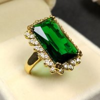 Wholesale Solitaire Emerald Rings - Delicate Pave Big Faceted Emerald Green Cocktail Rings in Cushion Setting Solitaire Square Acrylic Resin Dinner Rings Gold
