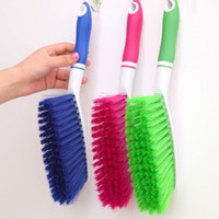 Wholesale Clothes cleaning brush Increasing TPR antiskid rubber handle bed brush that occupy the home Dust brush