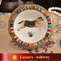 Wholesale Porcelain ashtray ivory porcelain god horses design outline in gold round shape small ashtray ashtray for home housewarming gift