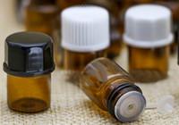 Wholesale 2016 High Quality Amber Glass Vial For Massage Oils Fragrances Serums Essential Oil Bottle Sample Vial ml Glass Bottle L9