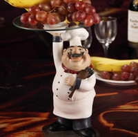 Wholesale Cook Statue Dinner Plate Decor Resin and Glass Chef Figurine Serving Tray Tableware Ornament Craft for Fruits Cakes and Snacks