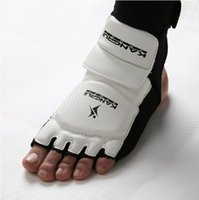 Wholesale Hotsale WTF standard taekwondo feet protector size from S to XXL high quality white color feet cover thicker feet protection