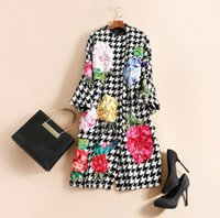 Wholesale Europe and the United States women s new autumn The runway looks case grain applique embroidery cloth cashmere coat