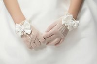 Wholesale 2016 Hot Sell Gloves Beaded Bow Flower Girl Gloves New Arrival Five Figers Gloves In Stock