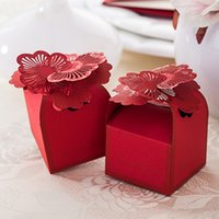 Wholesale New Red Hollow Floral Wedding Candy Boxes Party Gift Box Wedding Supplies Chocolate Favor Holders