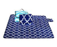 Wholesale Outdoor camping flannel picnic mats can be folded crawling mat moisture proof pad Two color optional