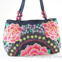 Wholesale Vintage Hmong Tribal Ethnic Thai Indian Boho shoulder Handbag Women s bag linen embroidery Tapestry Cheap bag hardware