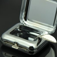 Wholesale 6 cm mini Portable fashion Eco Friendly Pocket Shatterproof Cigar metal Square and round Ashtray with black man smoking