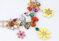Wholesale Cheapest Necklace Beautiful European Style Rhinestone Gemstone Decorated Flower Pendant Necklace Colorful