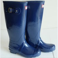 Cheap Ms. glossy Rain Boots New brand bright Rubber Waterproof Boots Woman Wellies Boots NEW Fashion Rainboots Women Rain Boots Outdoor rainboots