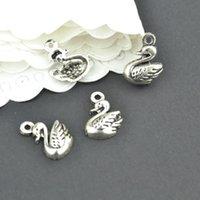 achat en gros de cygne gros argent-Vente en gros 200pcs Vintage argent tibétain animaux couleur charmes en métal pendentifs en cygne pour collier de bijoux collier pendentif bijoux 14 * 11mm 2235