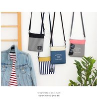 Wholesale Iconic Tripping Cross Bags Walking In The Air Wind Blows River Flows Cross Body Bags Fashion Bags Coin Purse Wallets Holder Accessories