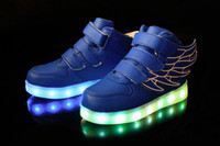 Chaussures Led Chaussures Garçons Chaussures Casual 2016 Plus récents Usb Charging Luminous LED Light Wings Chaussures de sport pour enfants Fashion Kids Sneakers noir