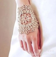 Wholesale Bling Bling Spring Bridal Crystal Wrist Decoration Beaded Cheap Vintage Royal Prom Evening Bridesmaids Hand Accessories