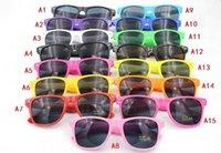 Cheap 1800pcs hot sale classic style sunglasses women and men modern beach sunglasses Multi-color sunglasses freeshipping s