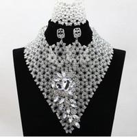 al por mayor las joyas a juego-Nuevos artículos africanos 2016 Collares Joyería de la boda del partido de las señoras de los sistemas de las pulseras de los pendientes joyería de plata blanca determinada que hace juego las coronas de la boda
