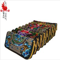 Wholesale Yunnan ethnic style embroidery hand bag lady phone package of documents a single national wind zipper purse ethnic nation is the world s