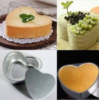 Wholesale Aluminum Alloy Love Heart Shaped Cake Pan Biscuit Baking Mold Sizes Good Helper