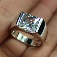al por mayor zafiro anillo de diamantes verdes-925 de plata de los hombres Sqaure verde esmeralda blanco zafiro piedra diamante simulado solitario anillo de bodas Eternity joyería para hombres