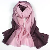 Wholesale The New Scarf Wool Scarf Color Shawls Long Qiu Dong Gradient Effect Key Luxury Scarf Women Brand Winter Soft Fashion Knitted