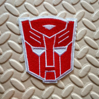 Does not apply autobot shirt - Transformers Autobot red Armor face Mask masquerade Iron On Patch Embroidery Applique Cap Bag Shirt Kids Toy Gift baby Decorate
