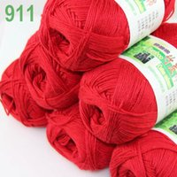 Wholesale of skeins Soft Natural Smooth Bamboo Cotton Yarn Knitting Christmas Red