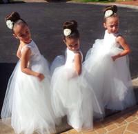 al por mayor vestido de novia blanco 18m-Longos Niños Formal Con Encaje Vestidos De Las Niñas De Flores 2016 Lindo Pequeñas Niñas Vestido De La Princesa Despedida De La Dama De Honor Vestidos De Boda Para La Boda Del Partido