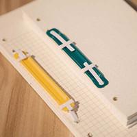 100pcs de haute qualité / lot en plastique Binder Clips fichier Binding Components Liste école Fournitures de bureau Deux trous Loose-leaf Binder Papelaria