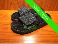 hotel slippers - 2016 New Summer Kanye Milan Yeezy Boost Slippers Massage Health Casual flat Slipper for mens and womens Shoes