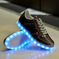Wholesale Fashion Colors Men LED Shoes Autumn Winter High LOW Growing Shoes For Man Luminous Shoes Light Up Shoes