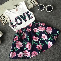 baby girl skirt set - 2016 New Fashion Cute Baby Girls Clothes Set Summer Sleeveless T Shirt Top and Floral Skirt Little Girls Outfit Set Hot Sale